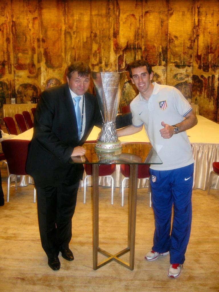 Alaturi de Diego Godin, fosta glorie a lui Atletico Madrid