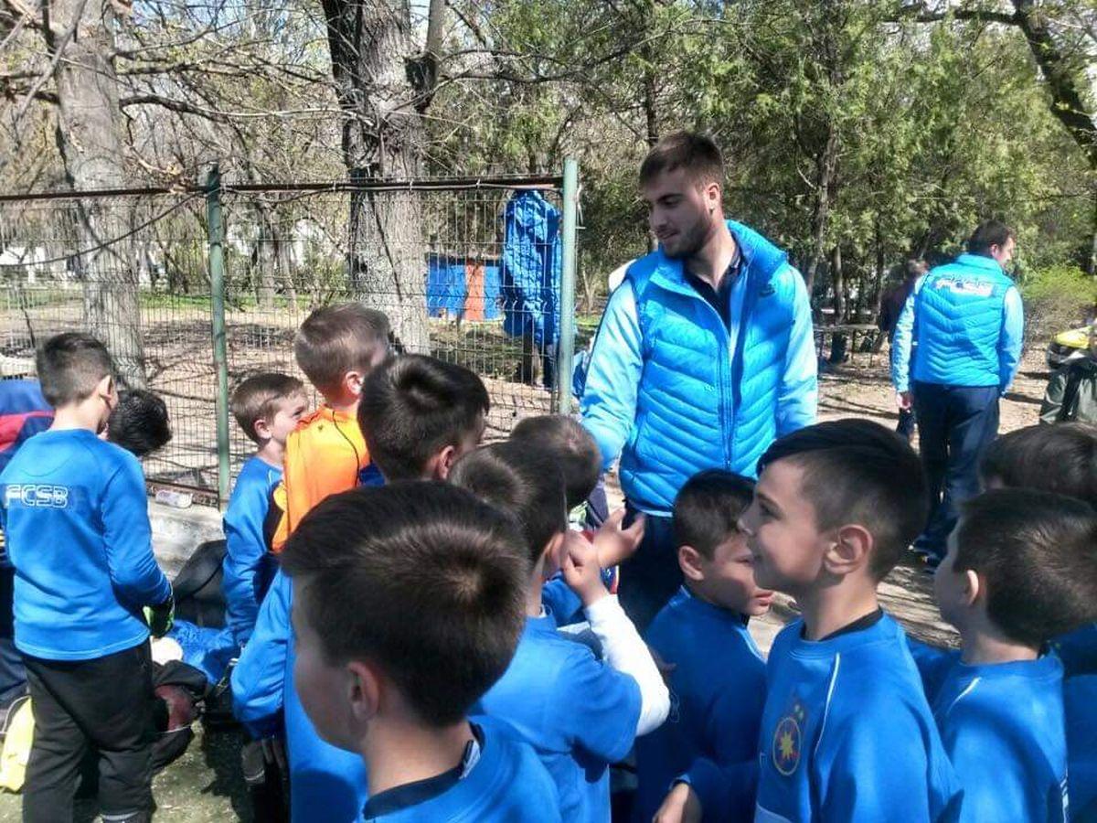 Valentin Cojocaru la una dintre actiunile echipei sale de club