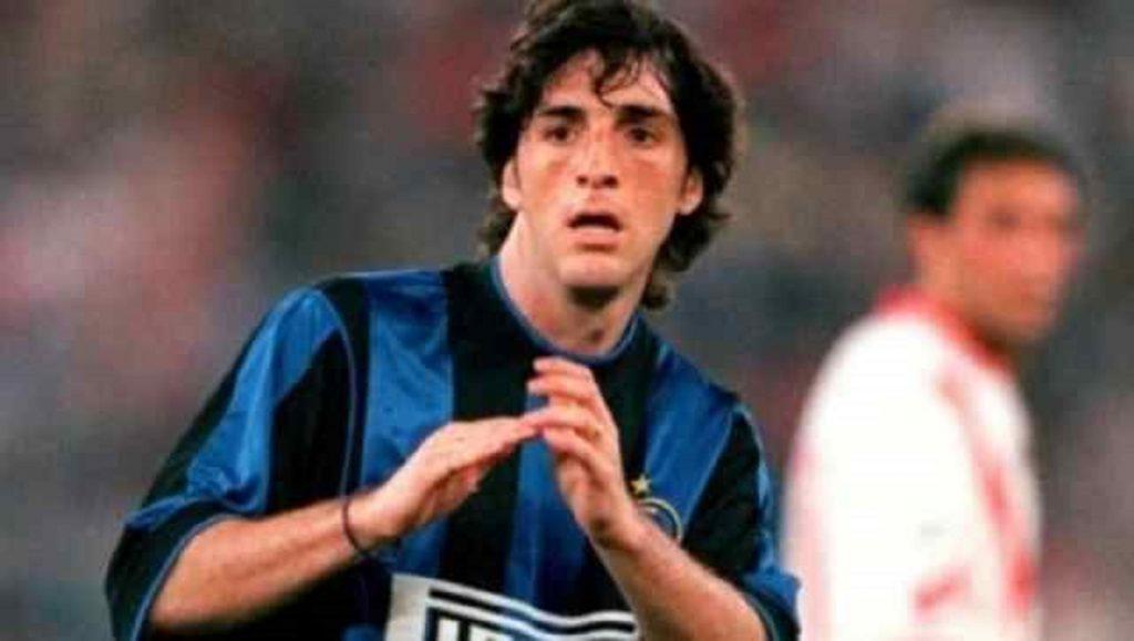 A câștigat trofee cu CFR Cluj, a schimbat pase cu Ronaldo și Zanetti la Inter, iar acum a devenit antreprenor: