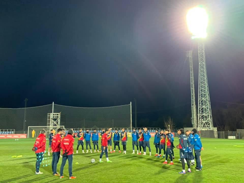 Goluri uluitoare reusite de Ianis Hagi si Florin Tanase la antrenamentul Romaniei de miercuri seara