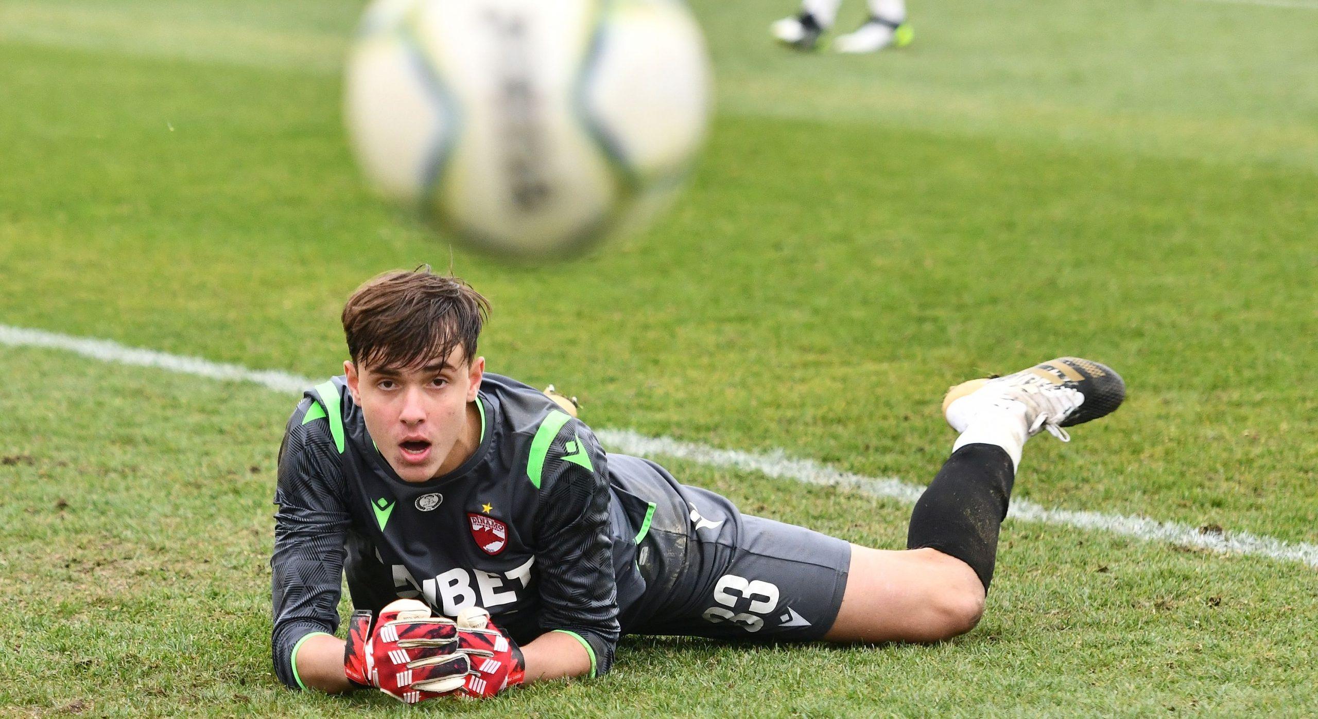 Mitrovic jr, ademenit de Fiorentina