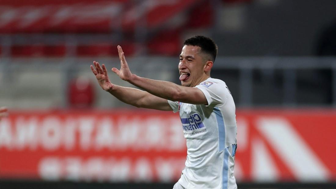 Moruțan ar putea fi tentat de o mutare în Bundesliga, doarece părinții săi locuiesc în Germania de 10 ani