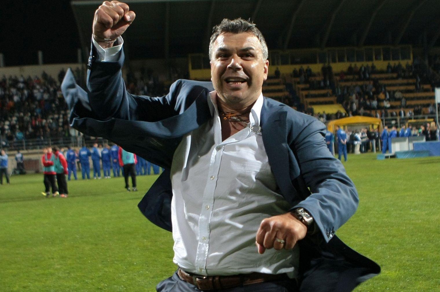 Cosmin Olăroiu este unul dintre favoriții fanilor FCSB