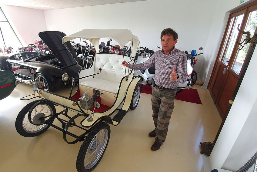 Alexandru Șcheul deține cea mai mare colecție de motociclete din România