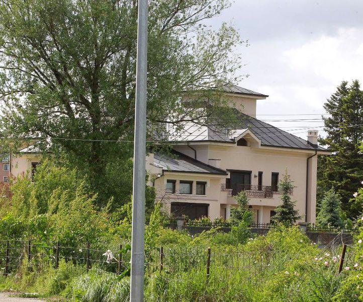 """Costa Sponte, fostul iubit al Simonei Halep, și-a construit un palat de """"milioane de euro"""" în Pipera. Sursa foto: Cancan"""