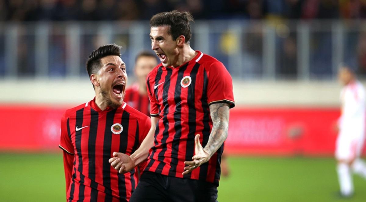 Bogdan Stancu rămâne în Turcia